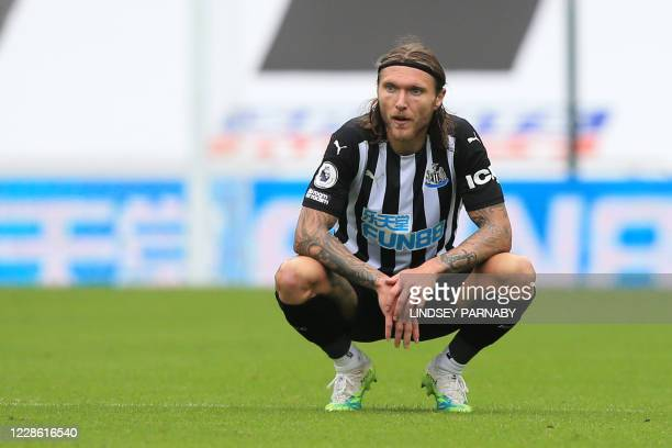 Newcastle United's Irish midfielder Jeff Hendrick reacts after losing the English Premier League football match between Newcastle United and Brighton...