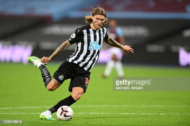 Newcastle United's Irish midfielder Jeff Hendrick shoots to score their second goal during the English Premier League football match between West Ham...