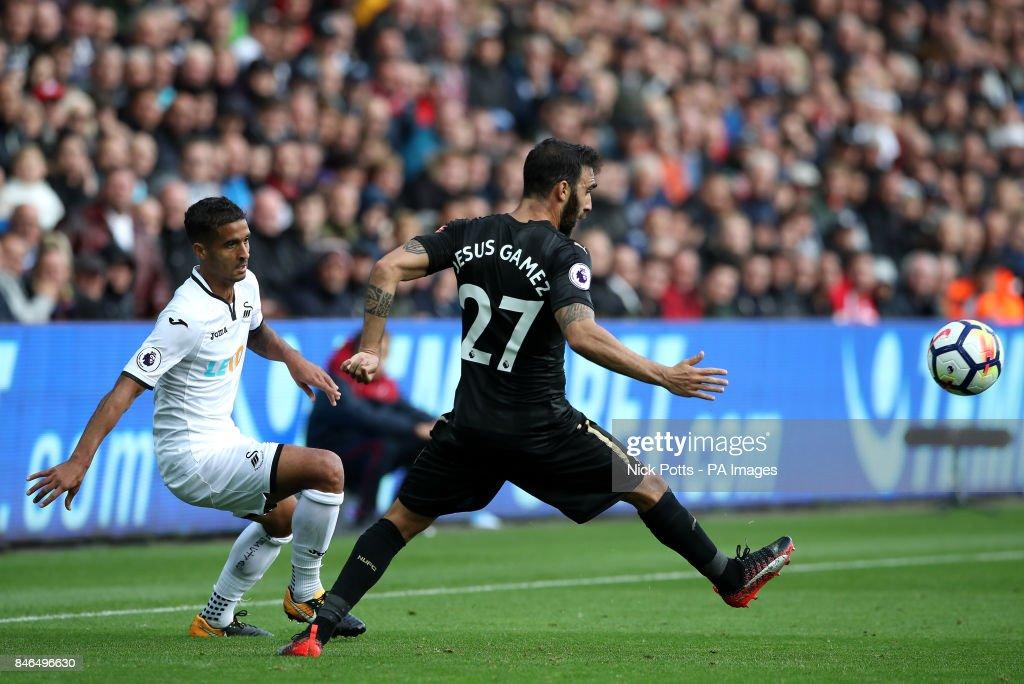 Swansea City v Newcastle United - Premier League - Liberty Stadium : News Photo