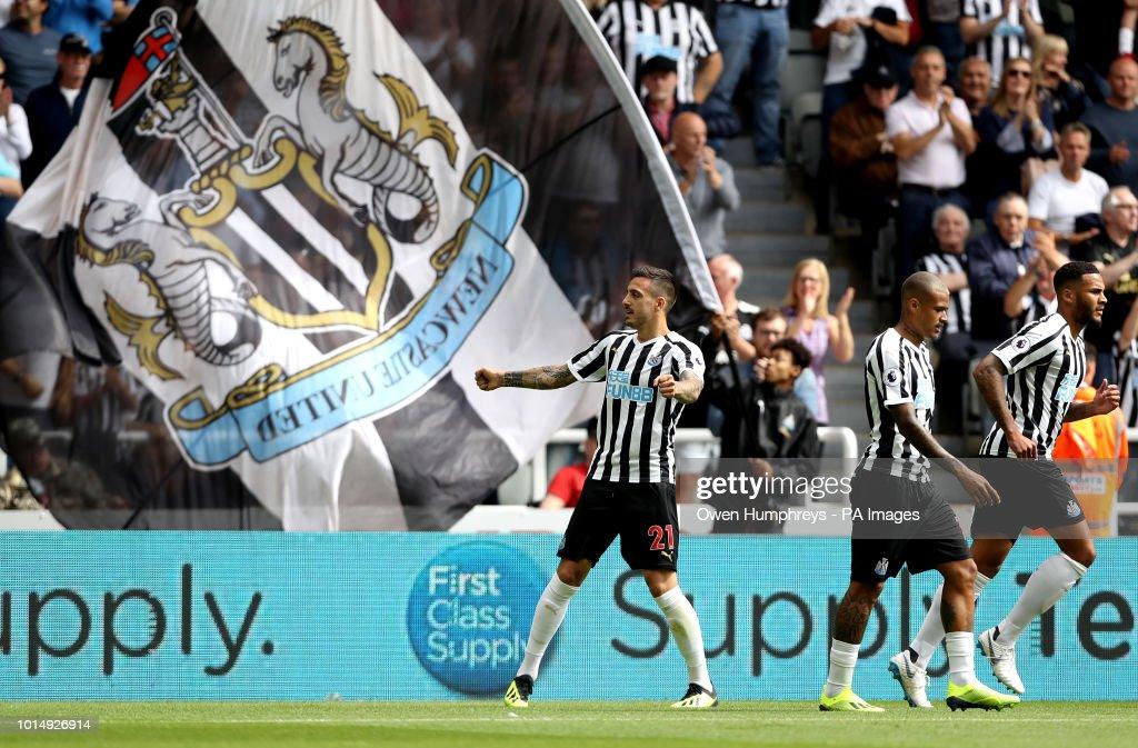 Newcastle United v Tottenham Hotspur - Premier League - St James' Park : News Photo