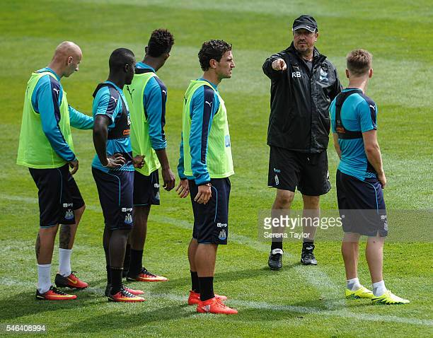 Newcastle United's Manager Rafael Benitez gives instructions to Newcastle players seen LR Jonjo Shelvey Henri Saivet Rolando Aarons Daryl Janmaat and...