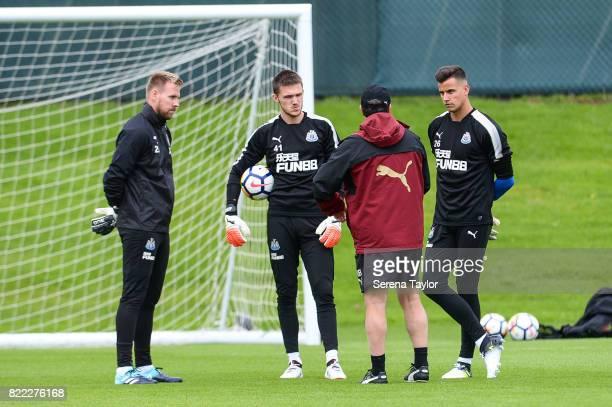 Newcastle United's Manager Rafael Benitez speaks to goalkeepers seen LR Rob Elliot Freddie Woodman and Karl Darlow during the Newcastle United...