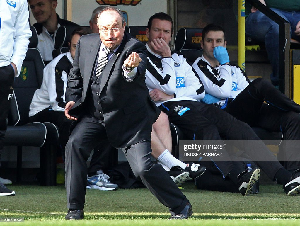 Newcastle Uniteds Spanish manager Rafael Benitez gestures during the English Premier League football match between Norwich City and Newcastle United at Carrow Road in Norwich, eastern England, on April 2, 2016. PARNABY