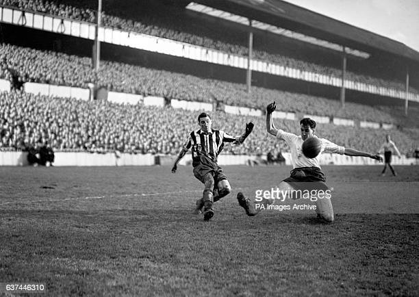 Newcastle United's Tommy Walker crosses the ball past the outstretched leg of Tottenham Hotspur's Harold Clarke