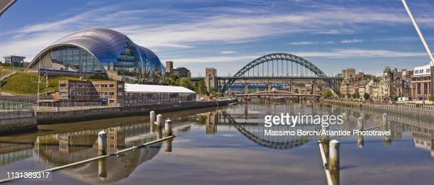 newcastle upon tyne area, view along the river tyne - image stock pictures, royalty-free photos & images