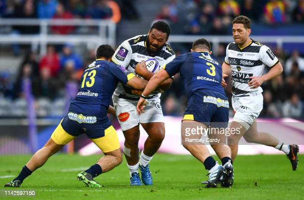 Newcastle Upon Tyne United Kingdom 10 May 2019 Uini Atonio of La Rochelle is tackled by George Moala left and Rabah Slimani of ASM Clermont Auvergne...