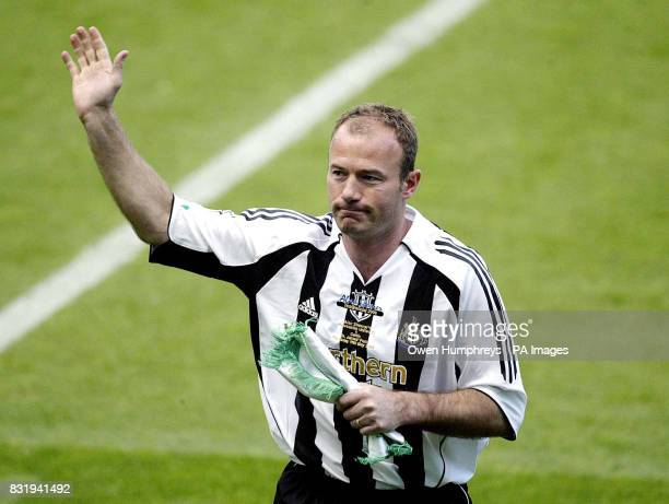 Newcastle XI's Alan Shearer waves to the fans ahead of his Testimonial match against Celtic at St James' Park Newcastle