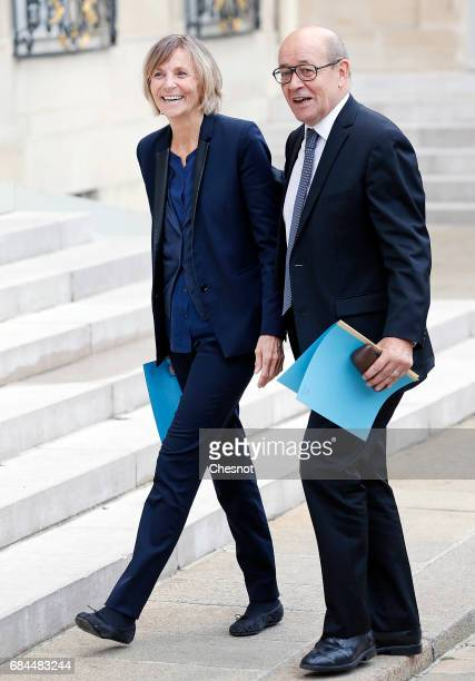 Newly appointed French Minister for European Affairs Marielle de Sarnez and French Foreign Affairs Minister JeanYves Le Drian arrive at the Elysee...