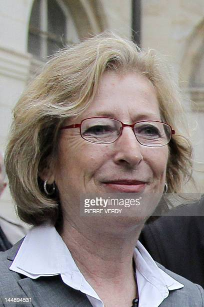 Newly appointed French Minister for Higher Education and Research Genevieve Fioraso gives a speech during the official handover ceremony on May 17...