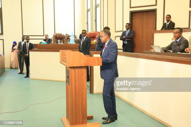 Newly appointed Mohamed Hussein Roble speaks during a vote of confidence session attended by Somalian President Mohamed Abdullahi Farmaajo after...