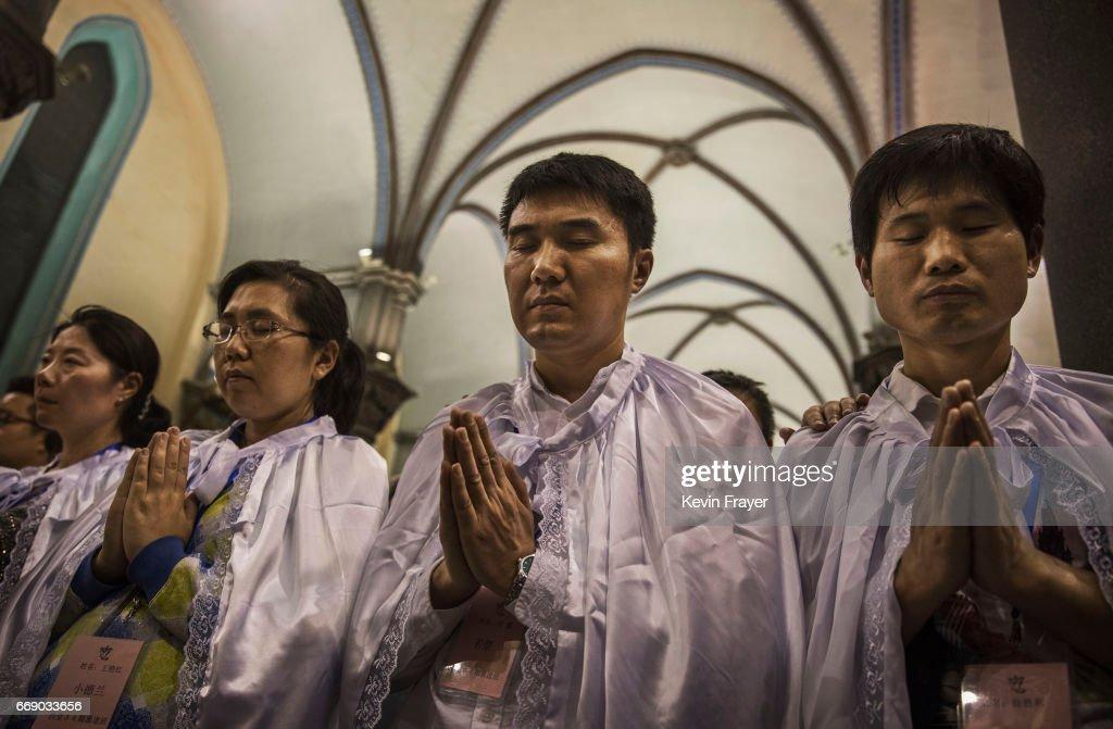 Chinese Christians Mark Holy Week : News Photo