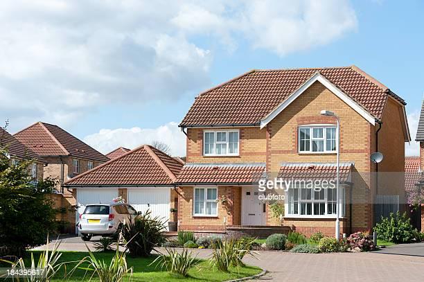 Neu errichtetes Einfamilienhaus mit doppelten garage