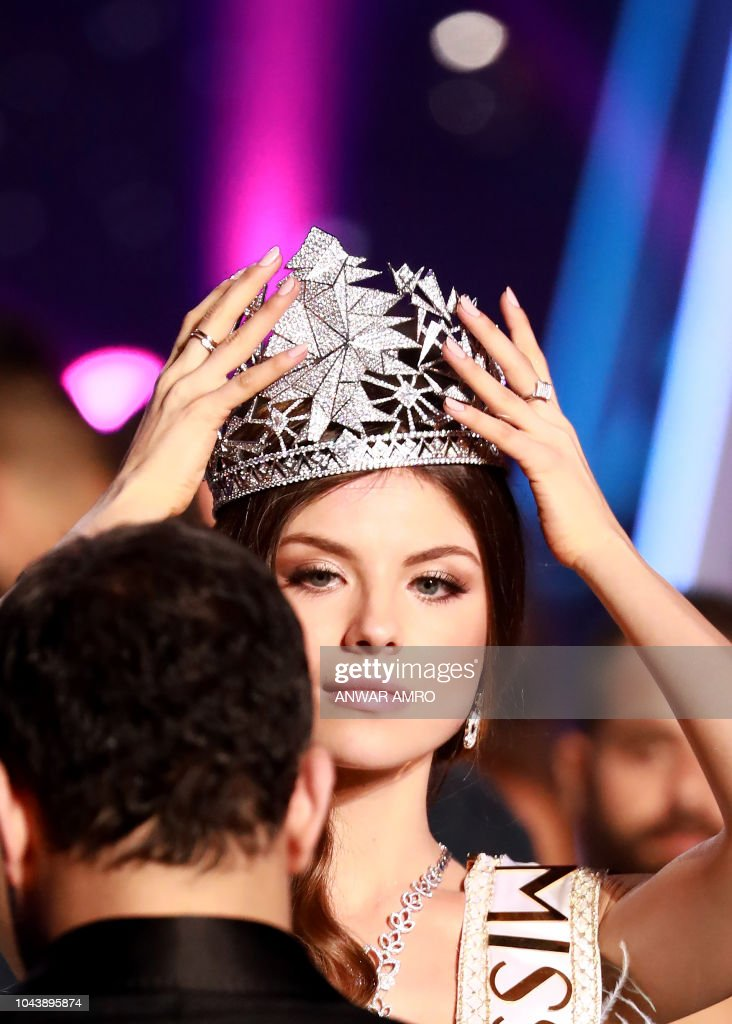 Newly Crowned Miss Lebanon 2018 Maya Reaidy Holds Her
