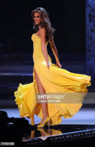 Miss Universe Dayana Mendoza Stock Photos and Pictures | Getty Images