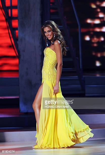 Newly crowned Miss Universe 2008 Dayana Mendoza Miss Venezuela is seen competing in her evening gown at the final of the 57th Miss Universe contest...