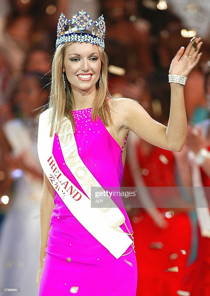 Miss world contest in china photos and images getty images newly crowned miss world 2003 rosanna davison of ireland waves to the audience at the beauty thecheapjerseys Images