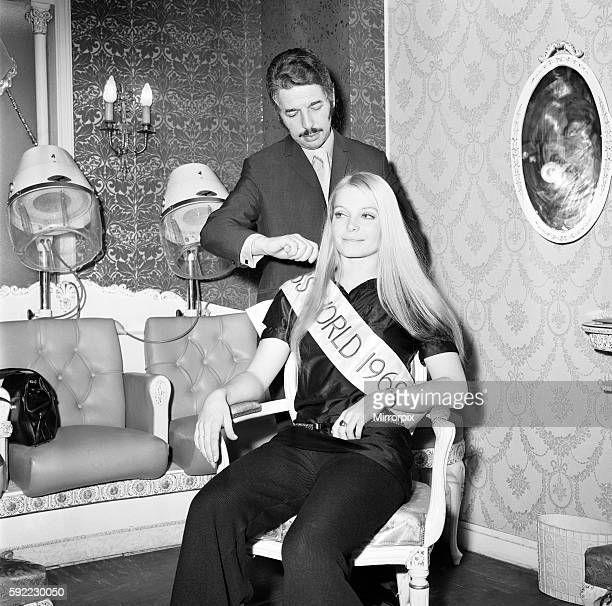 Newly crowned Miss World Eva Rueber Staier in the salon at the Picaddilly Hotel 29th November 1969