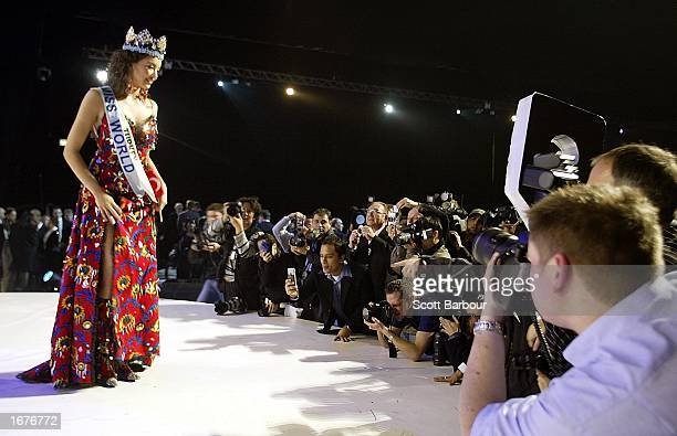Newly crowned Miss World Miss Turkey Azra Akin poses for photographers after Miss World 2002 December 7 2002 in London The Miss World competition was...