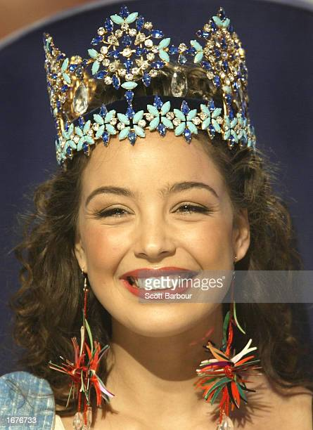 Newly crowned Miss World Miss Turkey Azra Akin smiles at the Miss World 2002 competition December 7 2002 in London England The Miss World competition...