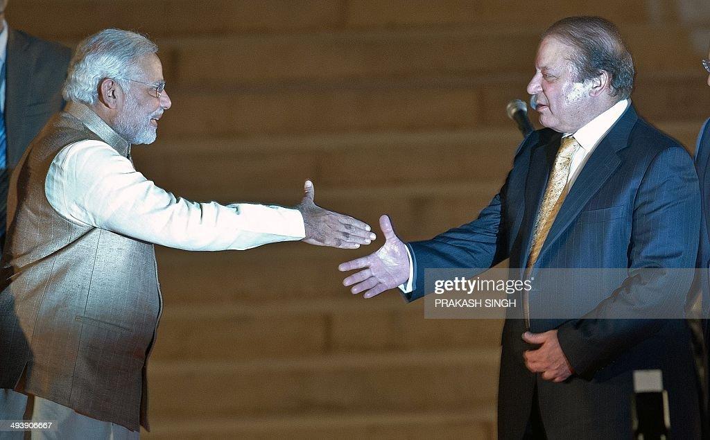 INDIA-PAKISTAN-POLITICS-MODI : News Photo