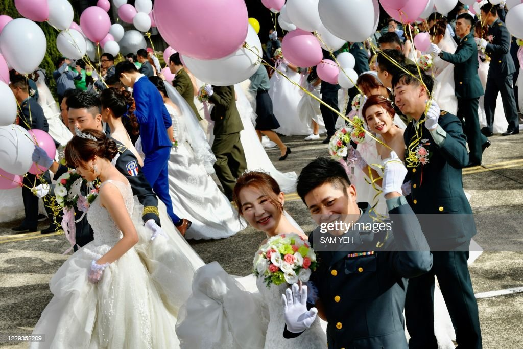TAIWAN-GAY-MARRIAGE-MILITARY : News Photo