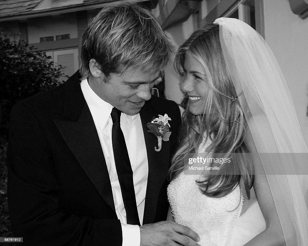 Brad Pitt Jennifer Aniston Wedding : News Photo