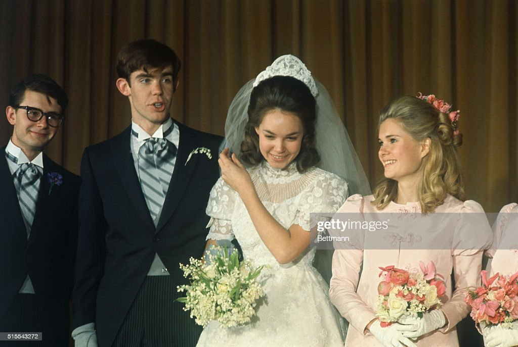 Portrait of Julie Nixon and David Eisenhower with Maid of Honor and Best Man : News Photo