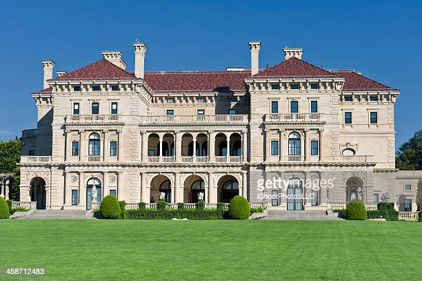newport rhode island mansion - newport rhode island stock pictures, royalty-free photos & images