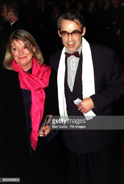 PA News 27/10/98 Actor Roger Lloyd Pack arrives at the Royal Albert Hall in London for the National Television Awards