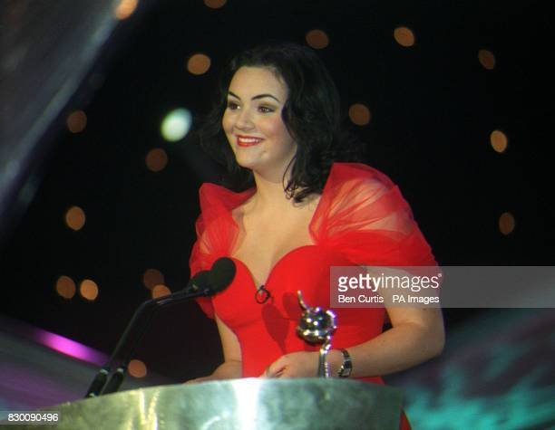 News 27/10/98 'Eastenders' actress Martine McCutcheon presents the award for Most Popular Entertainment Programme at the National Television Awards...