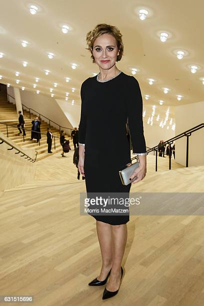News anchor Caren Miosga attends the opening concert of the Elbphilharmonie concert hall on January 11 2017 in Hamburg Germany Tonights opening gala...