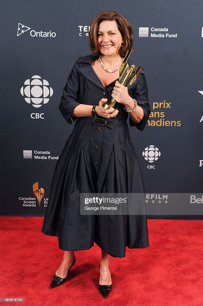 News anchor Lisa Laflamme poses in the press room at the 2015 Canadian Screen Awards at the Four Seasons Centre for the Performing Arts on March 1, 2015 in Toronto, Canada.