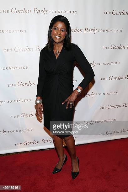 TV news anchor Lori Stokes attends 2014 Gordon Parks Foundation awards dinner at Cipriani Wall Street on June 3 2014 in New York City