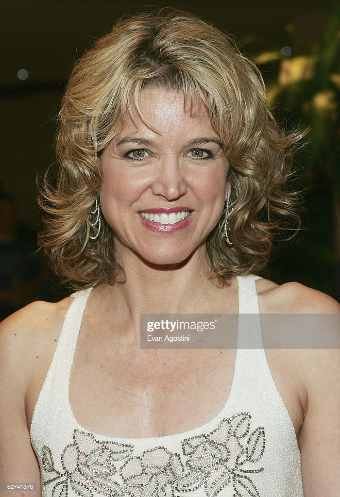 News anchor Paula Zahn attends the White House Correspondents' Dinner at the Washington Hilton Hotel on April 30, 2005 in Washington DC.