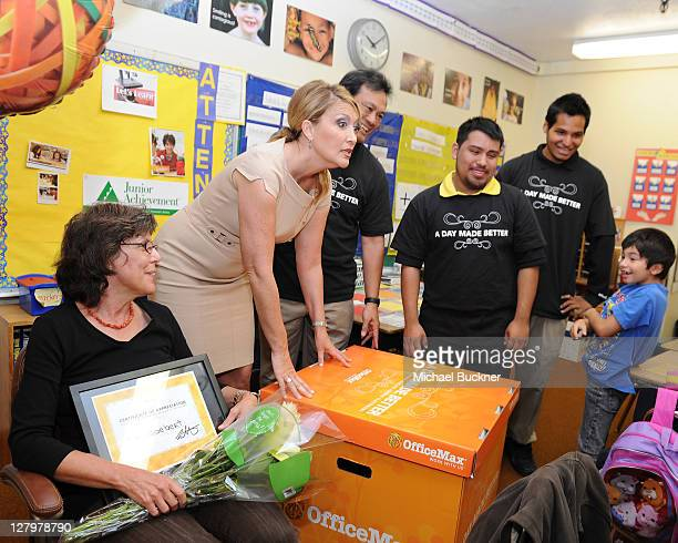 """News Anchor Wendy Birch joins Office Max's """"A Day Made Better"""" School Advocacy Campiagn presenting $1,000 in school suppiles to Mrs. Goebert's 3rd..."""