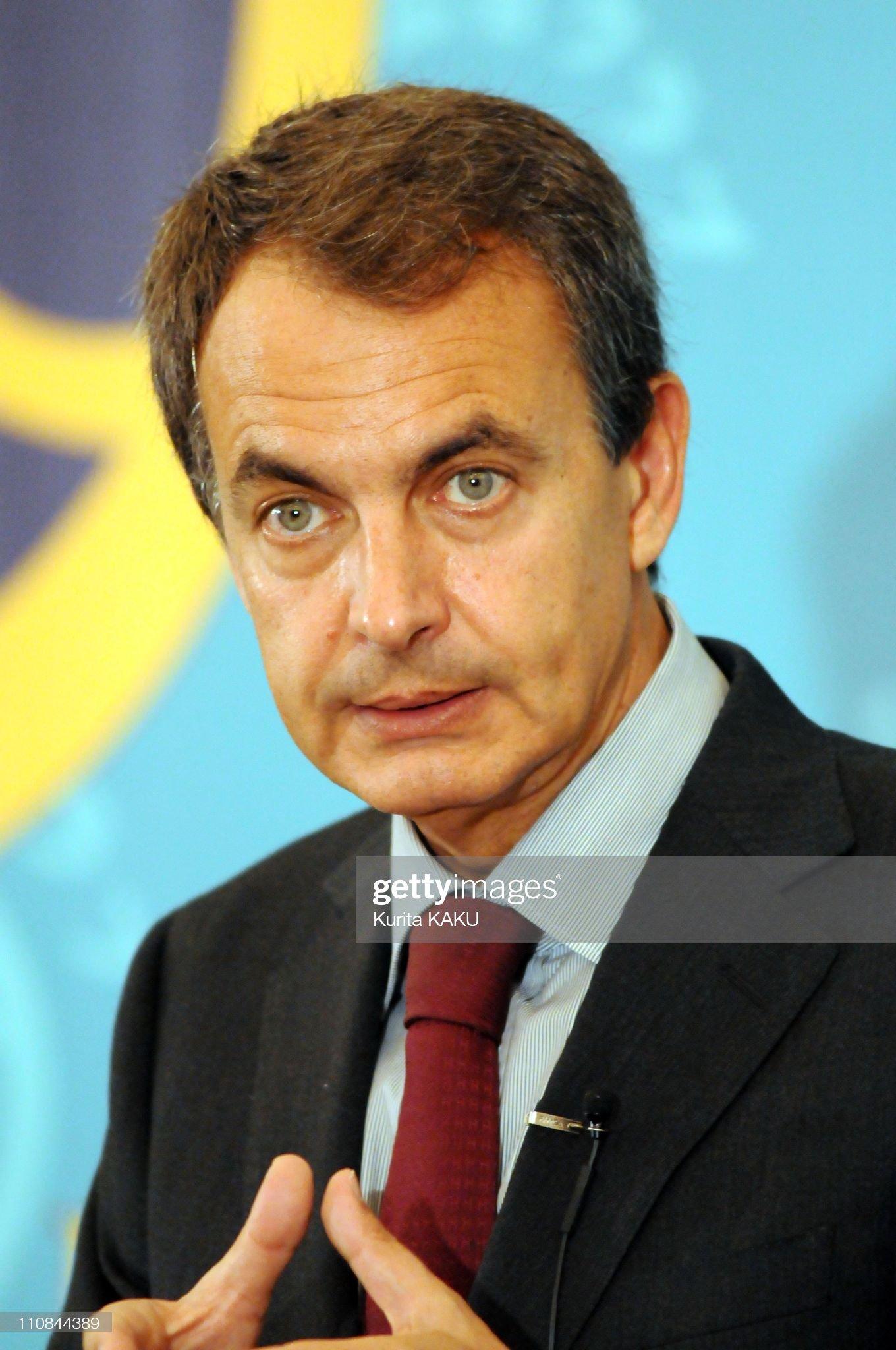 COLOR DE OJOS (clasificación y debate de personas famosas) - Página 8 News-conference-spainish-prime-minister-jose-luis-rodriguez-zapatero-picture-id110844389?s=2048x2048