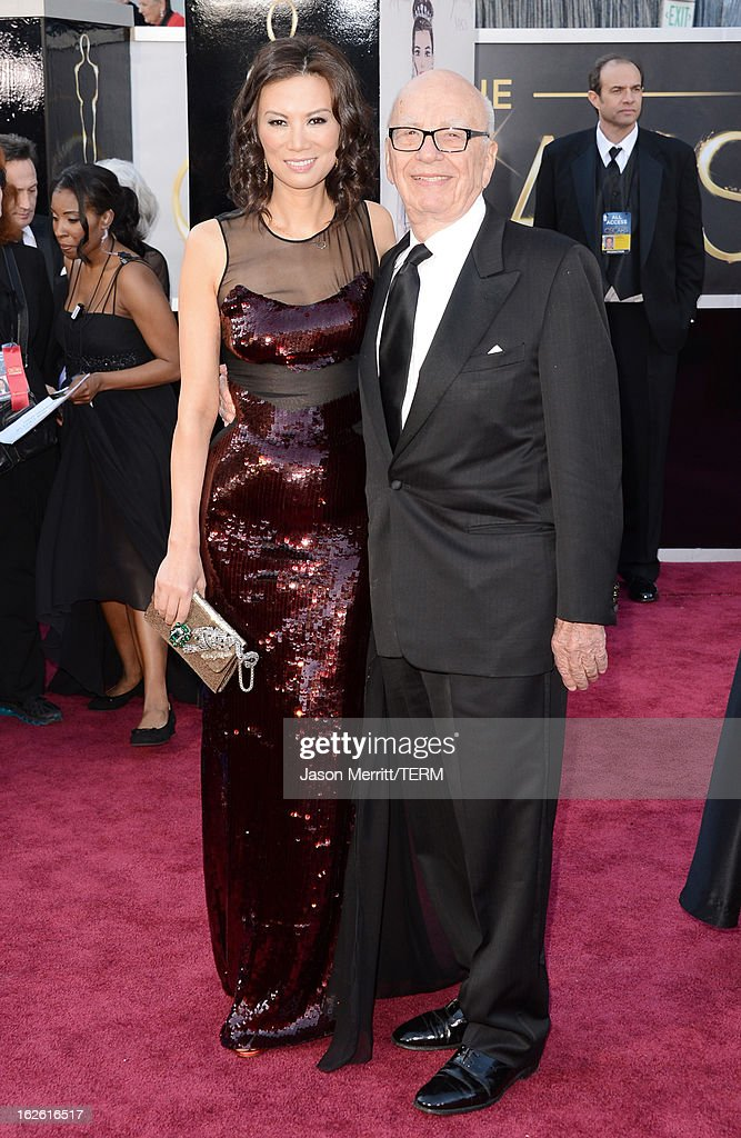 News Corp. Founder/CEO Rupert Murdoch (R) and Wendi Deng Murdoch arrives at the Oscars at Hollywood & Highland Center on February 24, 2013 in Hollywood, California.