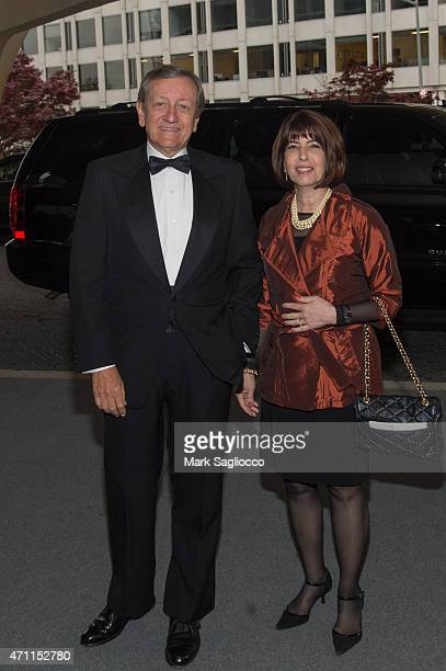 News Correspondent Brian Ross and Lucinda Sanman attend the 101st Annual White House Correspondents' Association Dinner at the Washington Hilton on...