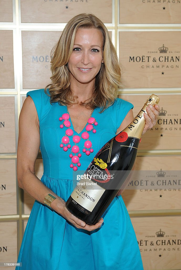 News Personality Lara Spencer attends The Moet & Chandon Suite at USTA Billie Jean King National Tennis Center on August 29, 2013 in New York City.