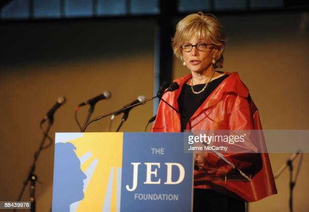 CBS news reporter Lesley Stahl speaks on stage at the 8th Annual Jed Foundation Gala at Guastavino's on June 11 2009 in New York City