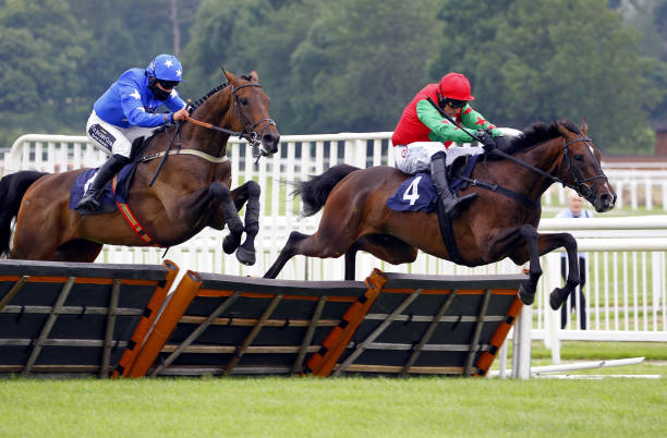 GBR: Uttoxeter Races