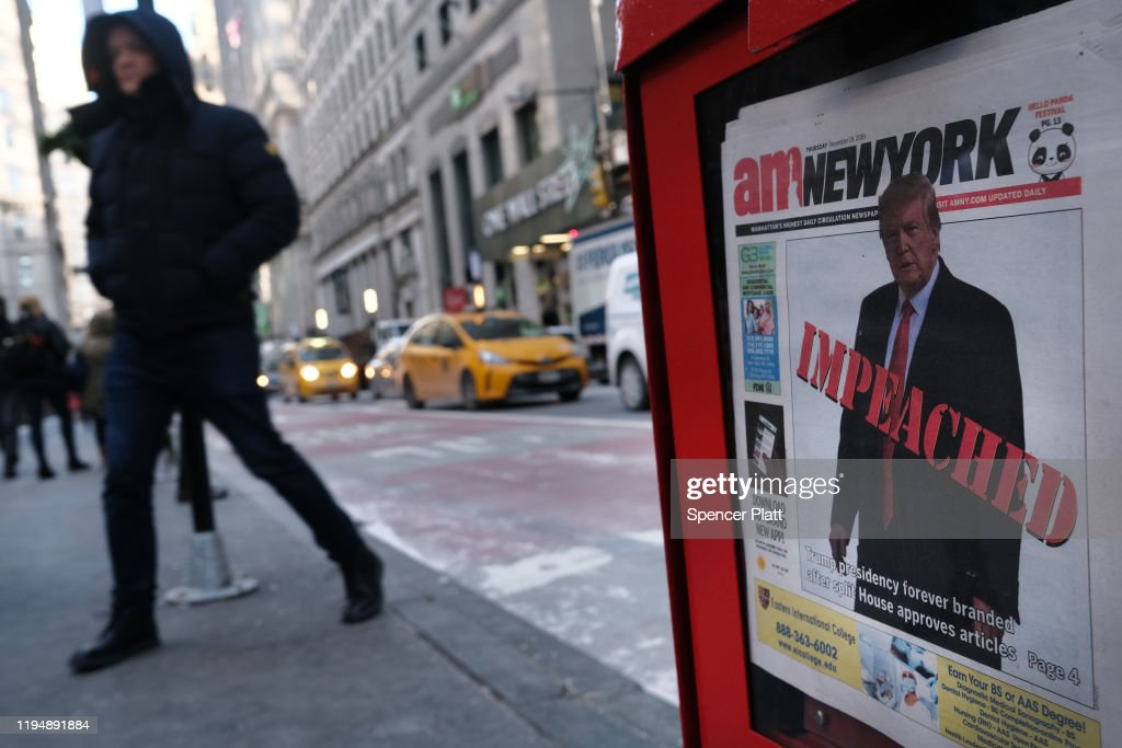 President Trump's Impeachment Leads Nation's Newspapers : Nieuwsfoto's