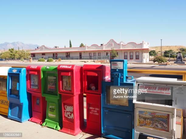 quiosques de jornal em kingman na rota 66 no arizona nos eua - usa - fotografias e filmes do acervo