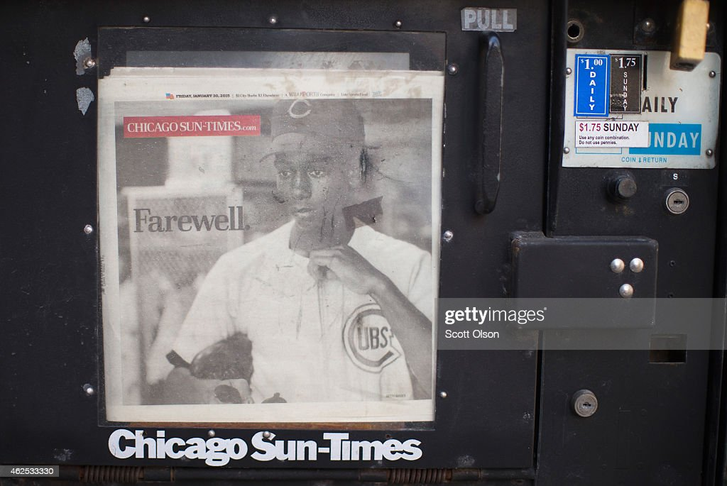 Mourners And Cub Fans Attend Visitation For Ernie Banks In Chicago : News Photo