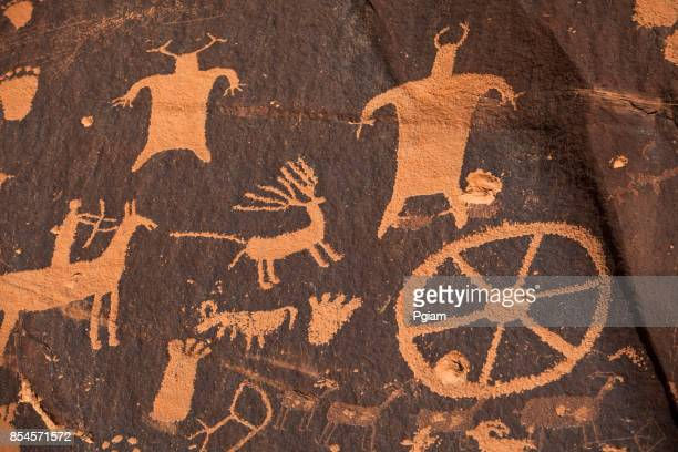 Newspaper rock ancient petroglyphs in Utah