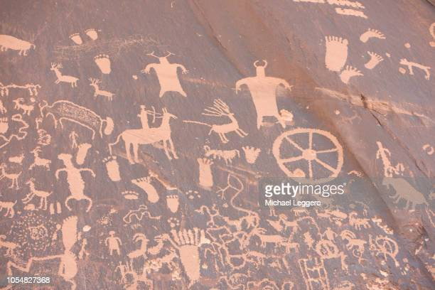 newspaper rock - ancient civilization stock pictures, royalty-free photos & images