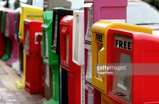 newspaper stands - news stand stock pictures, royalty-free photos & images