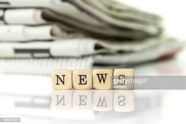 NEWS-Zeitungen in den Hintergrund