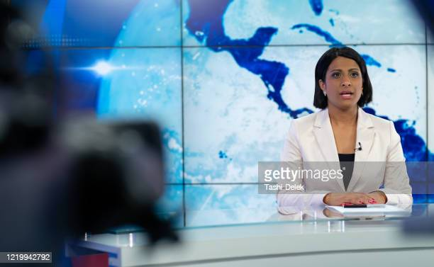 newsreader in television - press conference stock pictures, royalty-free photos & images