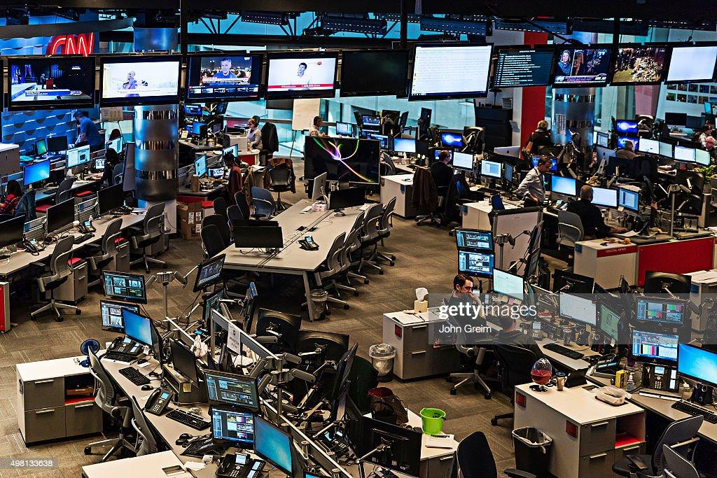 Newsroom at CNN World Headquarters... : News Photo
